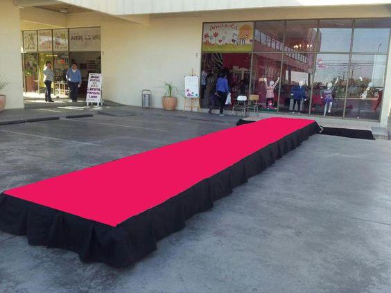 Moquetas para desfiles de modas. Moqueta color Fucsia. El color de moda. www.andaluzademoquetas.com