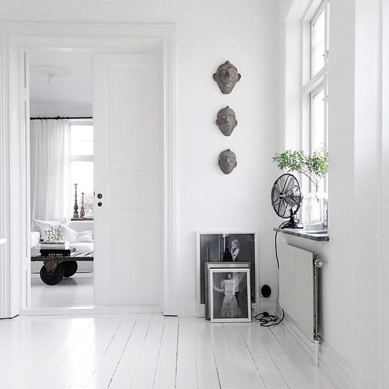 White flat with black and white decor. Looking for beautiful and unique art photos to decorate your interiors? Visit bx3foto.etsy.com