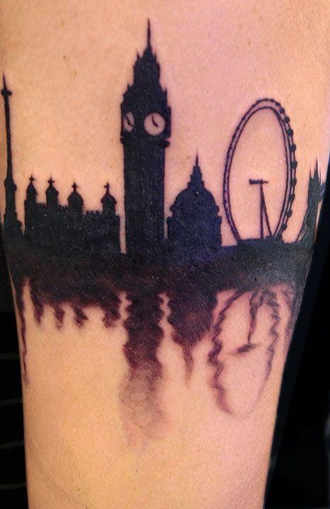 Okay, as tattoos go...this is pretty awesome.  // Aaron Girard Portfolio | Stingray Bodyart