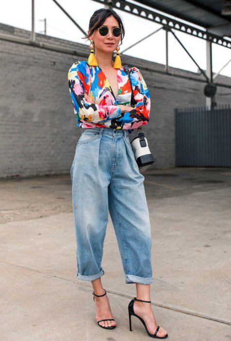 Outfits con 'baggy jeans' para tus piernas se sientan libres