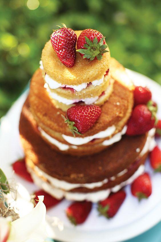 hummm.... naked cake! www.guianoivaonline.com.br #guianoiva #noiva #casamento #bolo #nakedcake
