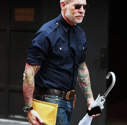 R: Cool military styled shirt for summer, bonus points for the chameleon tie.