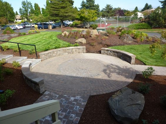 Ravine Curved Patio In Hillside Paver Patios Rock Walls