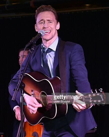 #TomHiddleston singing at the #ISTL after party premiere in Nashville