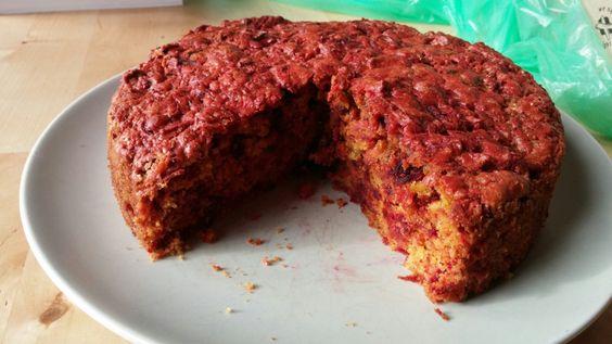 """Sim, é um bolo feito com os ingredientes habituais de uma sopa. A nutricionista Lillian Barros garante que """"é impossível não gostar""""."""