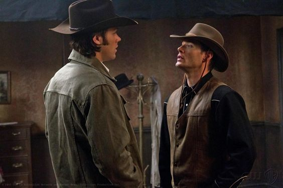 I love when the Boys get to dress out of character.  Dean made this look good.  Can you tell I'm a Dean FanChick?