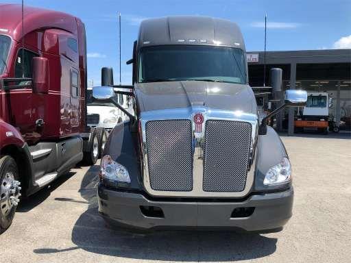 New And Used Trucks For Sale On Commercialtrucktrader Com Freightliner Trucks Trucks For Sale Used Trucks