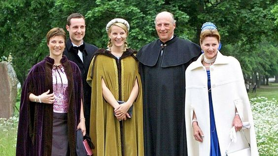 The Norwegian royal family anlässliche silver wedding of the royal couple…