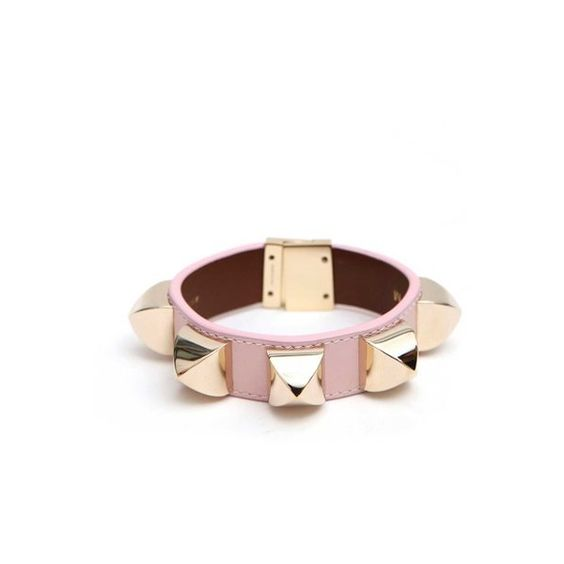 Givenchy Bracelet With Studs (1.005 BRL) ❤ liked on Polyvore featuring jewelry, bracelets, pink, givenchy jewelry, givenchy, pink bangles, studded jewelry and pink jewelry