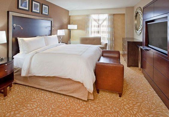 Executive Suite Bedroom Cornhusker Hotel Marriott Hotels