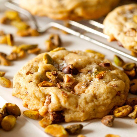 ... pistachios cookies chocolate chips chips crunches to be sweet