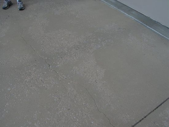 Tips On Fixing A Spalled Concrete Driveway Expert Shares Why This Happens How To Prevent It In The Future And Concrete Driveways Spalling Concrete Concrete