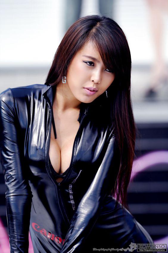 Model Photo ::