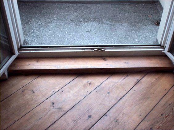 Dielen mit alter abgenutzer Versiegelung geschliffen und mit Holzhartöl behandelt in der Karl-Marx-Strasse in Berlin Neukölln  http://www.renovieren-shop.de/referenzen-videos/baustellen/dielen-alte-versiegelung-schleifen-ölen-karl-marx-str-neukölln-berlin/