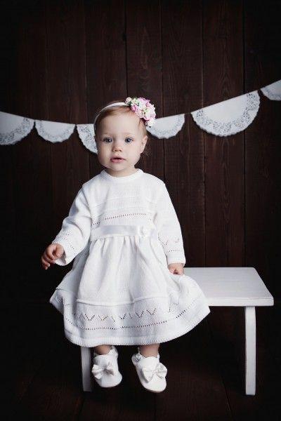 Taufkleid Lena - von HOBEA-Germany  Gestricktes weißes Kleid für kleine Mädchen.  #Taufkleidung #Taufkleid #Taufschuhe #Strickmode #Kinderkleidung #Babykleidung #Taufe #christening #christeningdress #hobea
