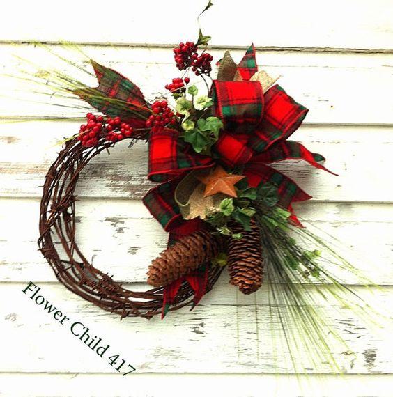 barbed wire wreath/christmas | YeeHaw Rusty Barbed Wire Christmas Wreath in ... | wreath and door de ...