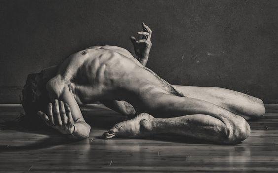 http://m3t4ll1ck3r.deviantart.com/art/Feels-Like-Falling-432455072