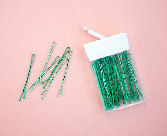 Haarklammern in leerer TicTac-Box aufbewahren