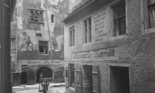 Eine Auswahl Historischer Aufnahmen Von Regensburg Entstanden Zwischen 1865 Und 1945 Die Bilder Waren 2013 In Einer Ausst Regensburg Vergangenheit Donaustauf