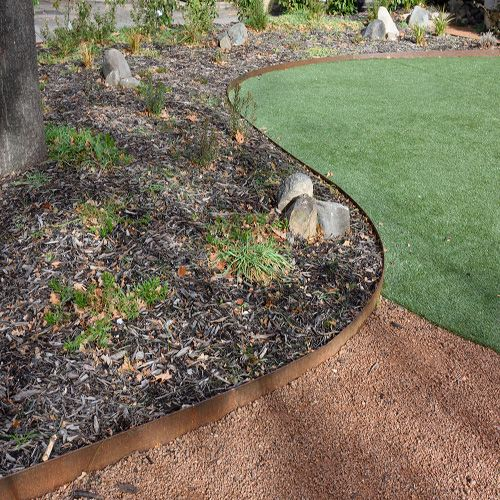Formboss Steel Garden Edging System Melbourne In 2020 Steel Garden Edging Garden Edging Garden Paving