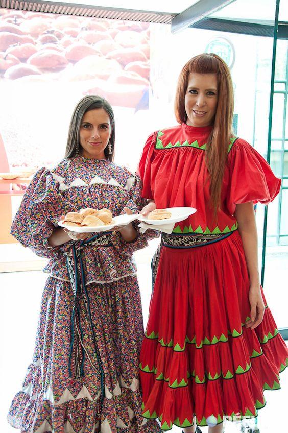 Gastronomía y Trajes regionales de Chihuahua México