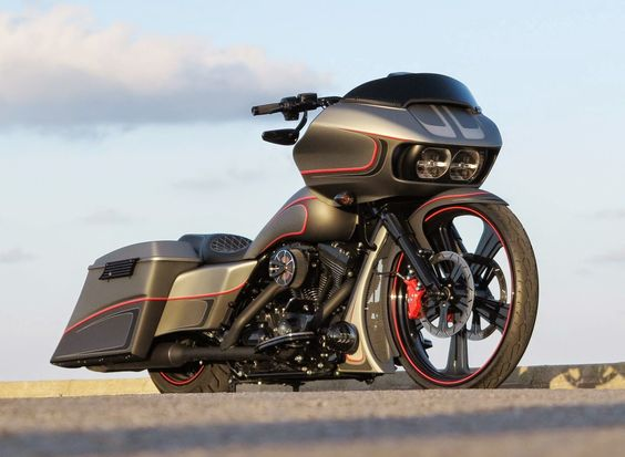 """Racing Cafè: Harley Road Glide """"Edition 1"""" by Rick's Motorcycles"""