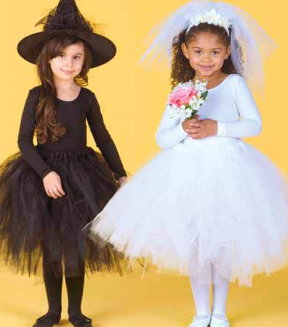 Easy no-sew tutu instructions for Halloween costumes!
