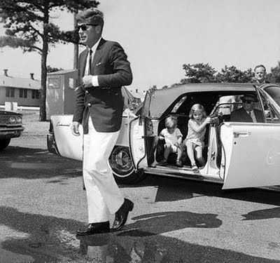 Jack Kennedy and a Lincoln Continental full of kids.