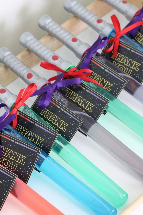 Easy Star Wars Light Saber Bubble Wands Party Favors and Printable Tags | Catch My Party