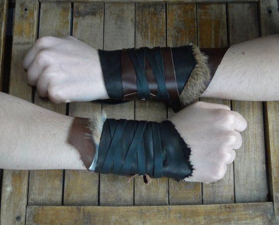 Lederen bont manchetten  Warrior Viking Tribal door FolkOfTheWood