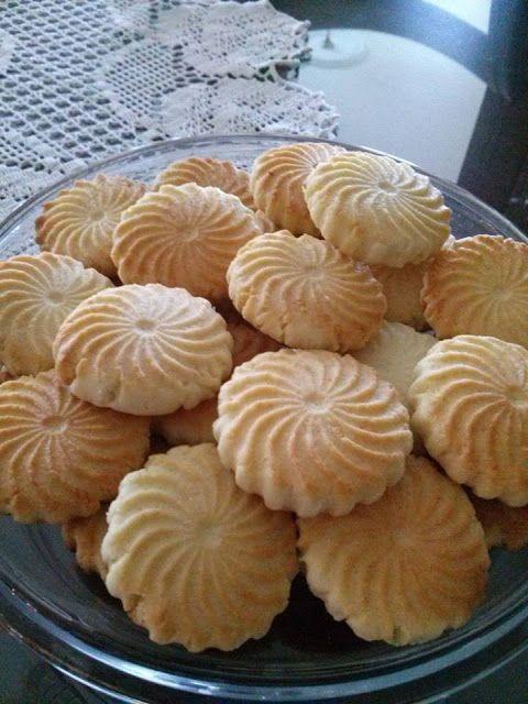 طريقة عمل بسكويت جوز الهند Food Ramadan Desserts Moroccan Food