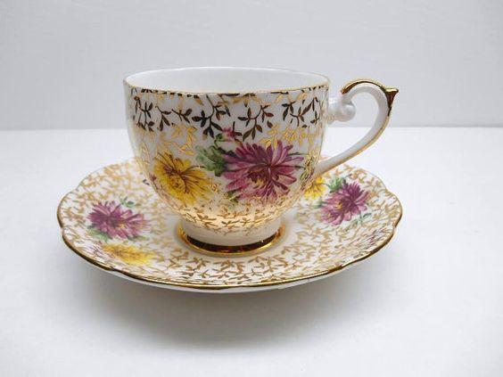 Vintage Fine Bone China Teacup and Saucer par RicsRelics sur Etsy