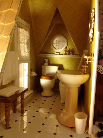 Bathroom - Debra's Orchid - Gallery - The Greenleaf Miniature Community