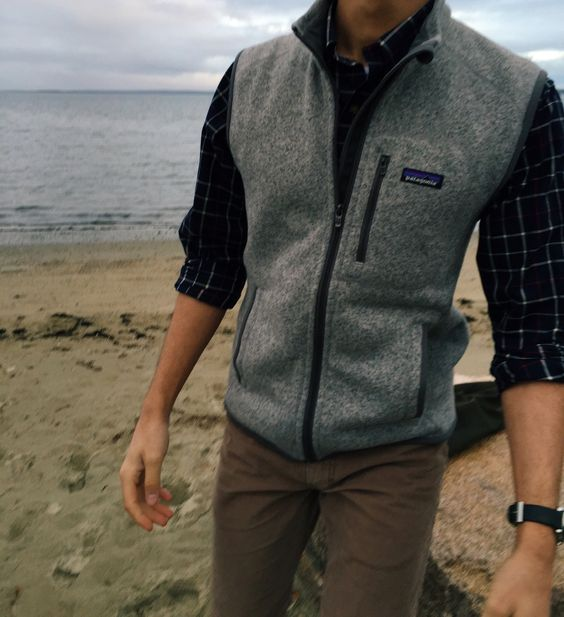 Color of vest and shirt combination