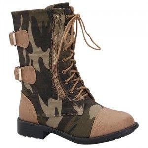 Botas estilo militar con camuflaje, encuentra más estilos de estas botas aquí...http://www.1001consejos.com/botas-estilo-militar/