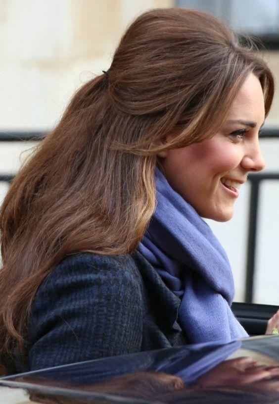 coiffure demi queue de cheval, Kate Middletone