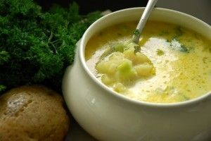 Ciorba de cartofi cu afumatura - Culinar.ro