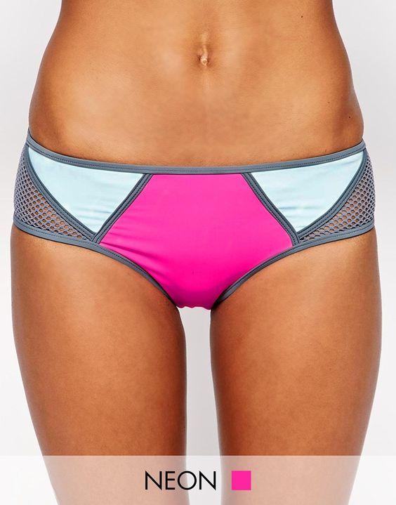 Bikinihose von Bikini Lab Stretchmaterial für Bademode Blockfarbendesign tiefer Hüftschnitt schmeichelhafter, bedeckend geschnittener Slip Handwäsche 82% Nylon, 18% Elastan