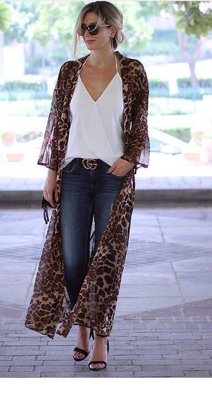 Look com kimono - look com terceira peça - look com calça jeans- look com blusa branca - kimono longo - kimono animal print - kimono de oncinha