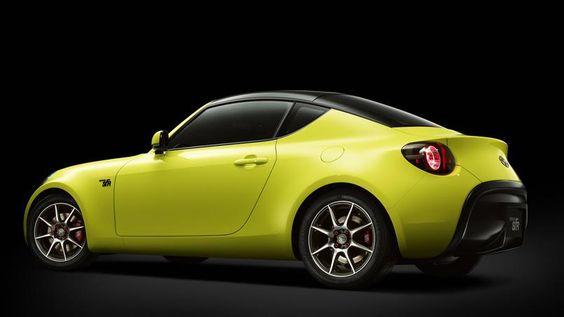 Sous ses lignes au parfum rétro, la Toyota S-FR se veut un coupé moderne entièrement voué au plaisir de conduite. Annoncé très dynamique, ce coupé de 3,99 m allie un moteur en position centrale avant et des roues arrière motrices.