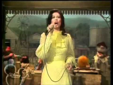 "Loretta Lynn on The Muppet Show in 1978: ""You're Lookin' at Country."""
