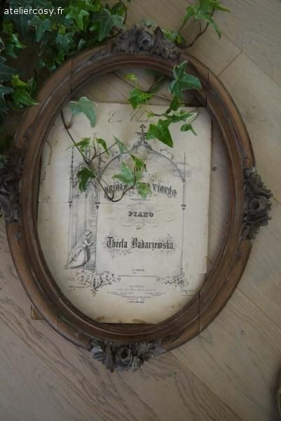 Brocante de charme atelier old frames for Decoration charme cosy