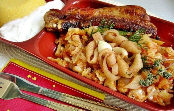 Pork with pickled cabbage - Varza acra cu sorici si coaste de porc