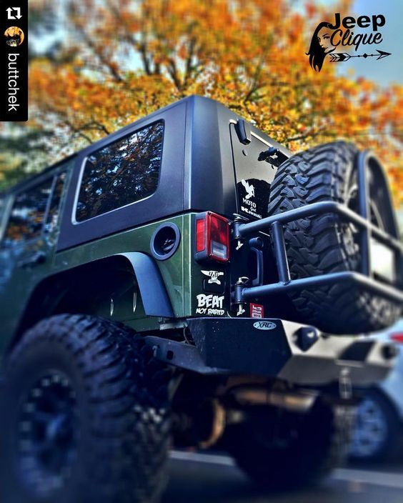 BADass Jeep from the beautiful @buttchek  #SexyAF #BadassJeepHer #JeepClique_OR #LiveAdventurously  #TushyTueaday #DatAssDoe #Jeep #JKU #Wrangler #Fall #Trees #ColorChanging #YetiBuiltFam #BeatNotBabied #MotoChick #Kawasaki #Oregon #PNW #XRC #XDAddicts #JeepClique #GenRight #JeepPhotography #MyLove #MyObsession by jeepclique