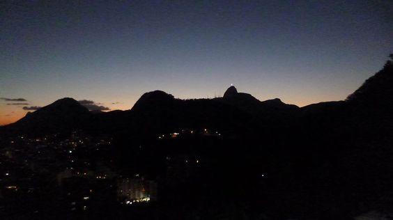 O repertório da noite tem Jazz, MPB, Samba, Forró, Maracatu e Samba Rock