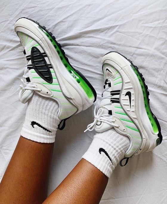 Nike air max, Neon sneakers