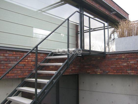 Escalier exterieur palier avec marches perfor en acier inox avec ral couleur ext rieur - Escalier exterieur acier ...
