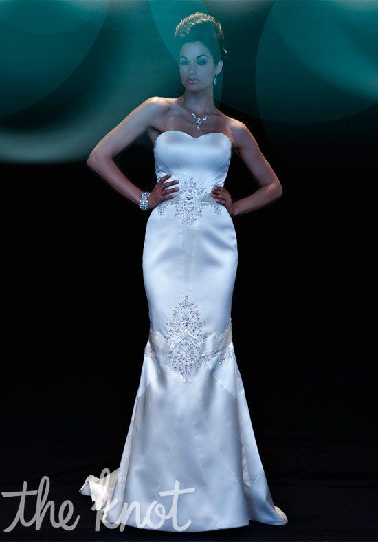 W18 MATTHEW CHRISTOPHER 2100 SASHA SZ 12 WHITE IVORY $4599 FORMAL STORE SAMPLE IN EXCELLENT COND. ONLY $1299
