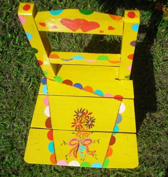 Silla de madera pintada especial para un regalo de cumplea os de un ni o o ni a la otra - Pintar sillas de madera ...