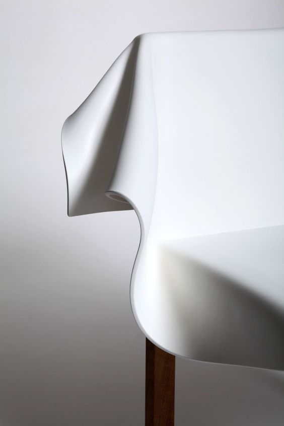 Toga Chair by Reut Rosenberg – inspired by the behavior of a lying cloth. >> http://bit.ly/toga_ritzview